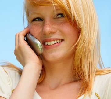 Teen_Girl_with_Cell_Phone